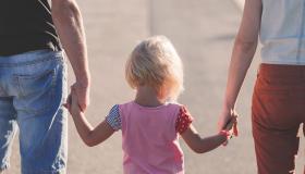 L'obligation d'entretien des enfants : existe-t-il un délai pour la réclamer ?